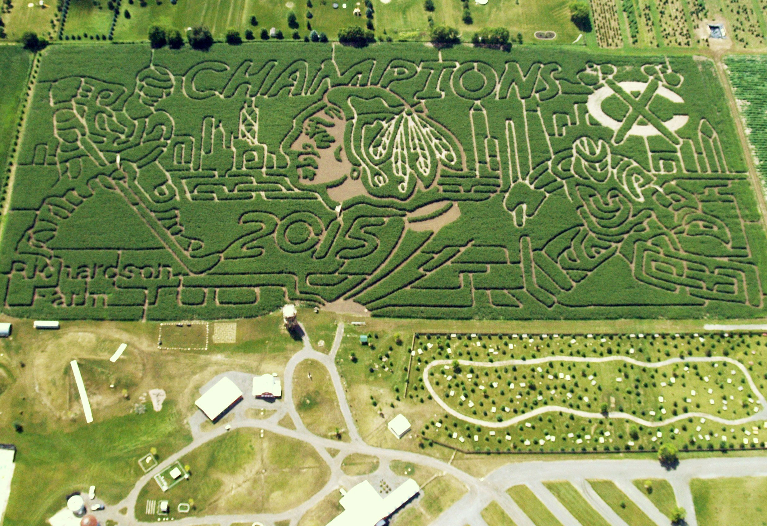 The World's Largest Corn Maze! Richardson Farm Experience in Spring ...